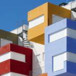 edificios con persianas